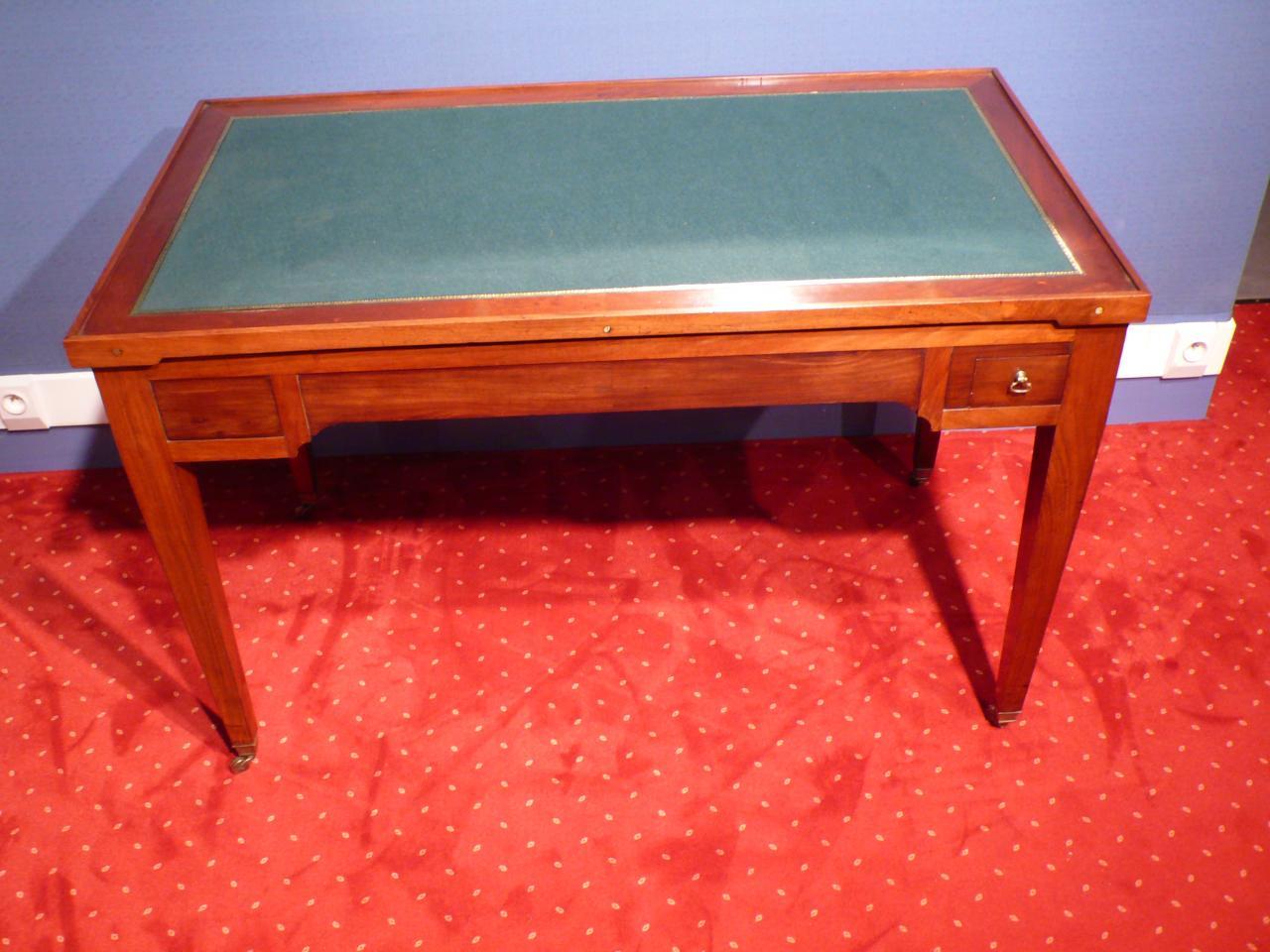 Petits meubles et tables à jeu