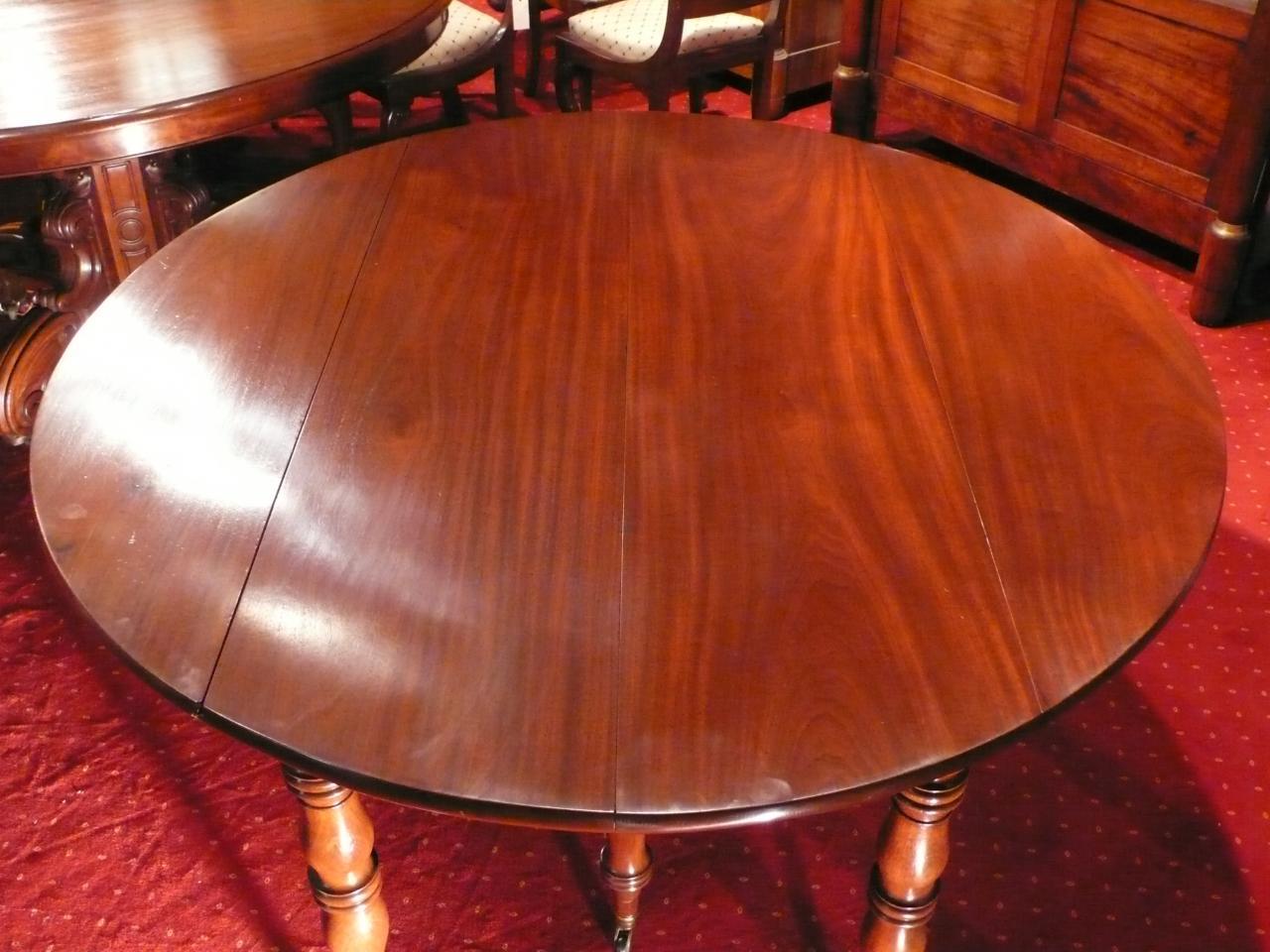 TABLE RONDE 6 PIEDS ACAJOU premier tiers du XIXème siècle.